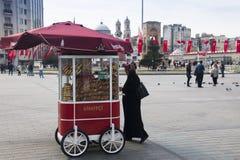 Taksim fyrkant i Istanbul, Turkiet Arkivbild