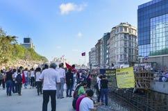 Taksim Gezi parkerar protester och händelser Sikten från Taksim Squar royaltyfri fotografi