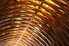 Taksparrarna av Befläcka-sur-Loire rockerar, Frankrike, göras av trä Royaltyfria Bilder