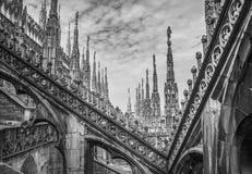 Takterrasser av Milan Cathedral, Lombardia, Italien Royaltyfria Bilder