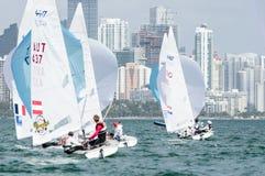 Taktik för ljus luft som är kritiska på ISAF som seglar världscupen Miami Royaltyfria Bilder