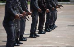 Taktisches Feuerwaffentraining der Polizei lizenzfreie stockfotos