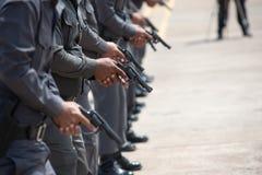 Taktisk skjutvapenutbildning för polisen royaltyfri fotografi