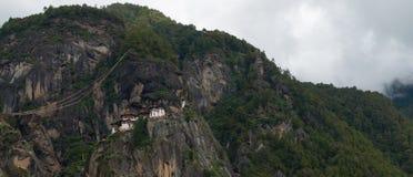 Taktsang Palphug monaster Paro, Bhutan (także znać jako Tygrysi gniazdeczko) Zdjęcia Royalty Free