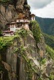 Taktsang Palphug monaster Paro, Bhutan (także znać jako Tygrysi gniazdeczko) Fotografia Royalty Free