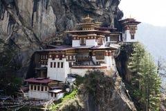 Taktshang Goemba (гнездо тигра) в западном Бутане Стоковые Изображения