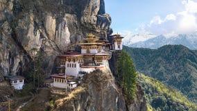 Taktshang Goemba или Tiger& x27; висок гнезда s на горе, Бутане Стоковые Фото