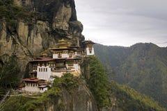 Taktshang Goemba (les tigres emboîtent le monastère), Bhutan Photo stock