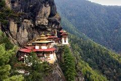 Taktshang Goemba (los tigres jerarquizan el monasterio), Bhután Fotos de archivo libres de regalías