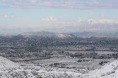 Tal bedeckt im Schnee Stockbild