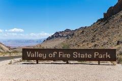 Tal des Feuer-Nationalpark-Zeichens Lizenzfreie Stockbilder