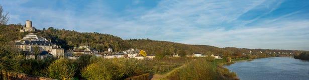Tal des Wadenetzes und des Schlosses von La Roche Guyon, Frankreich Stockbild