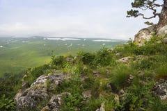 Tal die Landschaft ist, Lagonaki, Kaukasus, Russland atemberaubend lizenzfreie stockfotos