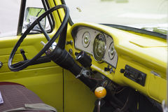 70-tal gulnar USA-flaggan Ford Truck Interior View Arkivfoton