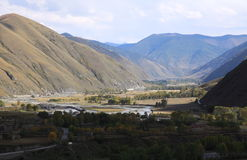 Tal im Berggebiet Stockfotos