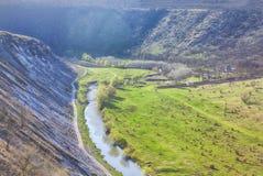 Tal mit Fluss Stockbild