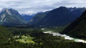 Tal um Soca-Fluss in den julianischen Alpen, Slowenien Lizenzfreies Stockbild