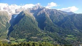 Tal vom Montblanc in Frankreich im Sommer stockbild