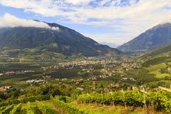 Tal von der Etsch in Süd-Tirol nahe Meran, Italien Lizenzfreies Stockfoto