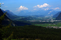 Tal von Fluss Gasthaus in Tirol, Österreich Lizenzfreies Stockfoto