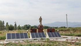 Tala della valle, Kirghizistan - 15 agosto 2016: Memoriale s caduta immagini stock libere da diritti