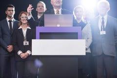 Tala för politisk kandidat royaltyfria bilder