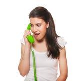 talande barn för kvinnligtelefon Royaltyfri Fotografi