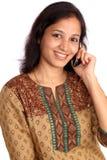 talande kvinna för mobil telefon Royaltyfri Fotografi