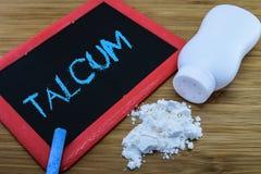 Talcum μωρών σκόνη στοκ φωτογραφία με δικαίωμα ελεύθερης χρήσης