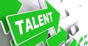 Talent auf grünem Richtungs-Pfeil-Zeichen Stockfotografie