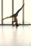 Talentierter weiblicher Athlet, der Sport anstrebt Stockbilder