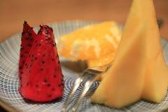talerz świeżych owoców zdjęcia royalty free