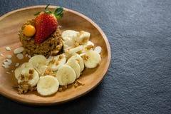 Talerz śniadanie na stole Obrazy Royalty Free