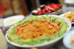 Talerz Yu Sheng (surowej ryba sałatka) zdjęcie stock