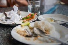 Talerz z kruszki jedzeniem, Zostający, Tajlandzki jedzenie Obraz Stock