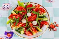 Talerz z mieszanki warzywa sałatką Zdjęcie Royalty Free