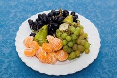 talerz z owocowym półmiskiem, Reston stół zdjęcia stock