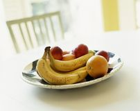 Talerz zdrowa świeża owocowa sałatka zdjęcia royalty free