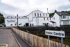 Talisker spritfabrikhögkvarter, Skottland, UK royaltyfria foton