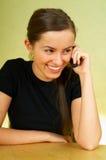 talkin сотового телефона Стоковая Фотография