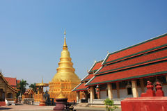 Tall golden Chedi Royalty Free Stock Photo