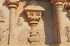 Talla de los detalles en la pared externa de Hazara Rama Temple Hampi, fotos de archivo