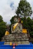 Talla de piedra para la estatua de Buda Imágenes de archivo libres de regalías
