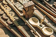 2 tallados de madera decorativos Imagen de archivo