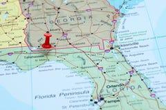 Tallahassee steckte auf eine Karte von USA fest Lizenzfreie Stockfotografie