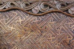 Tallando los muebles clásicos preside la madera Brown de la tabla Foto de archivo libre de regalías