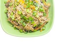 Tallarines asiáticos con las verduras Fotografía de archivo