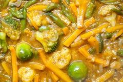 Tallarines asiáticos con las verduras Fotos de archivo