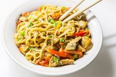 Tallarines asiáticos con las verduras Imágenes de archivo libres de regalías