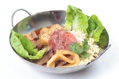 Tallarines chinos malasios tradicionales de la carne de vaca Foto de archivo libre de regalías
